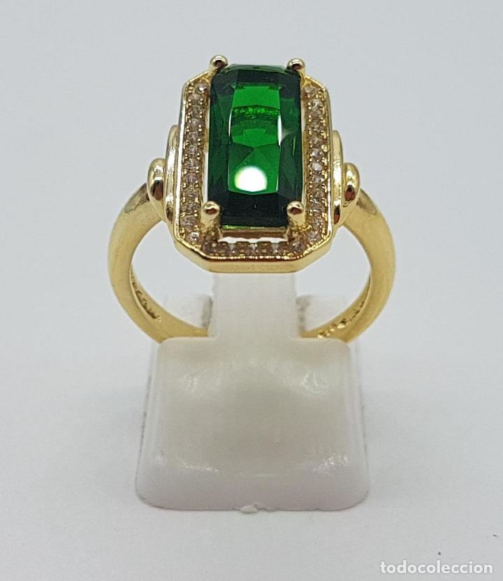 Joyeria: Elegante anillo de lujo tipo marquesa con acabado en oro de 18k, circonitas y esmeralda creada . - Foto 2 - 158294150