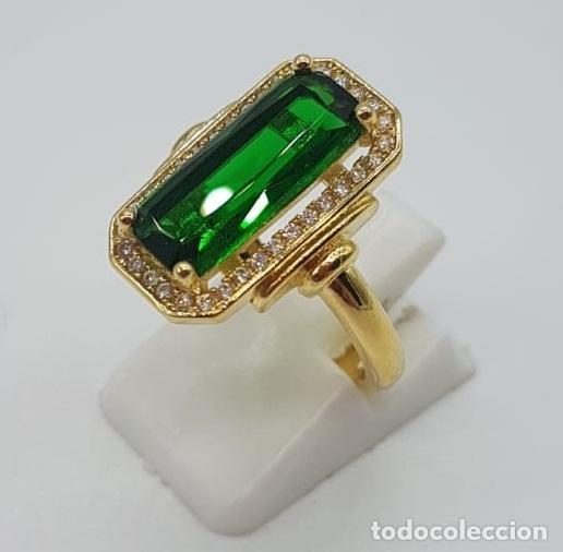 Joyeria: Elegante anillo de lujo tipo marquesa con acabado en oro de 18k, circonitas y esmeralda creada . - Foto 3 - 158294150