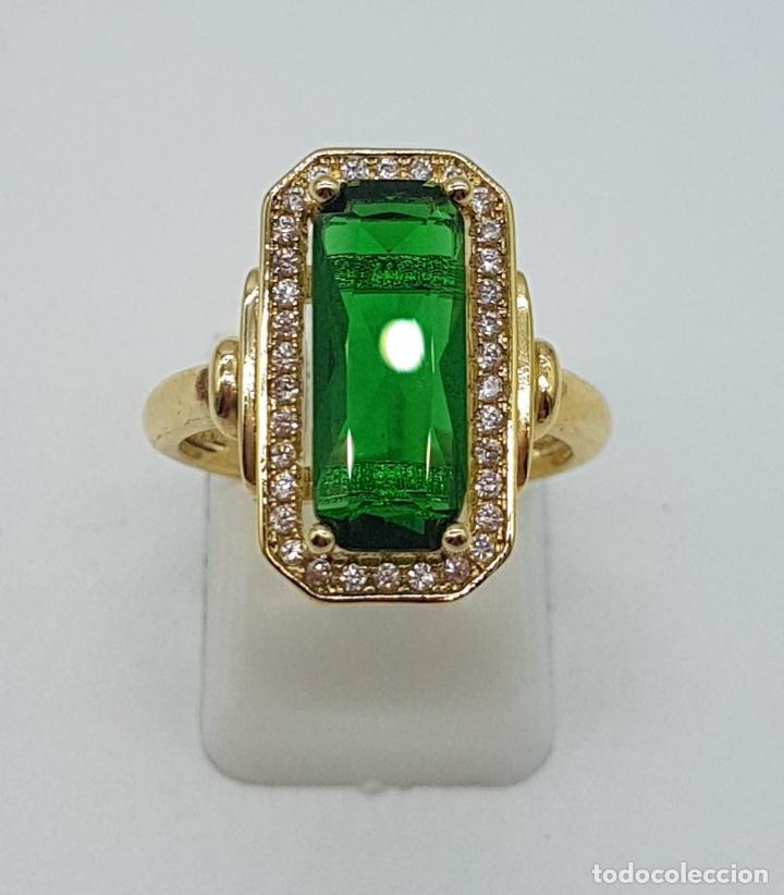 Joyeria: Elegante anillo de lujo tipo marquesa con acabado en oro de 18k, circonitas y esmeralda creada . - Foto 5 - 158294150