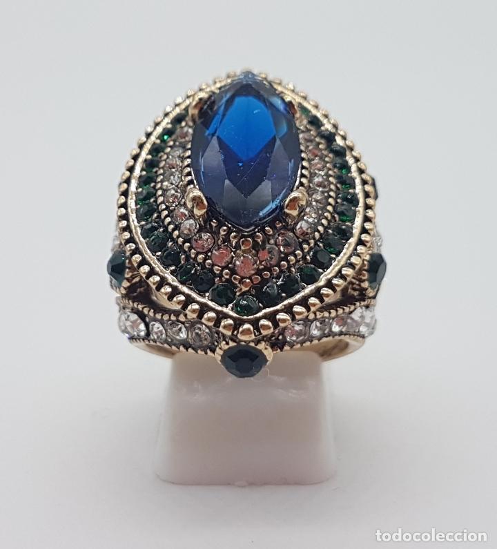 Joyeria: Espectacular anillo tipo imperio turco con acabado en oro viejo, pedrería y símil de zafiro . - Foto 4 - 159795906