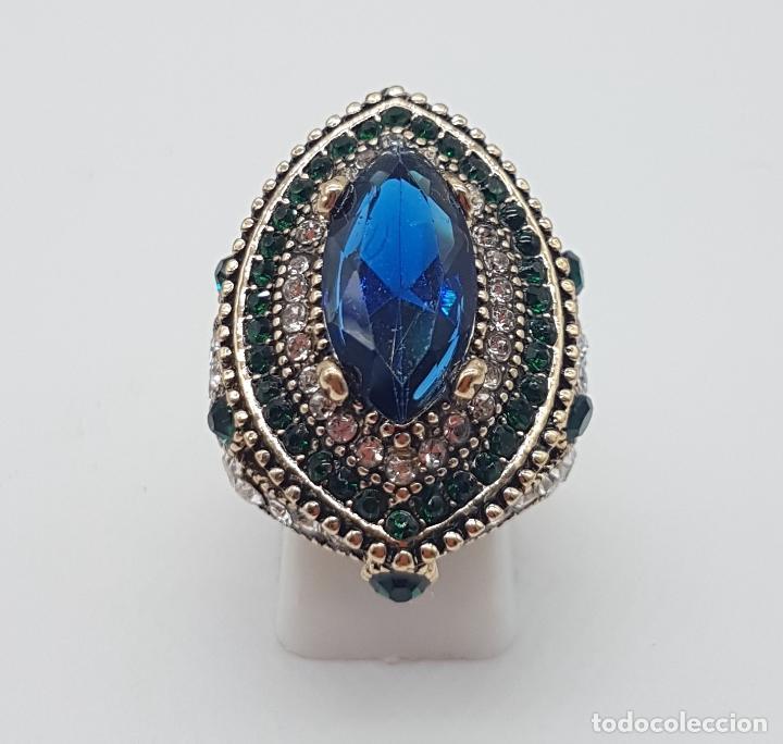 Joyeria: Espectacular anillo tipo imperio turco con acabado en oro viejo, pedrería y símil de zafiro . - Foto 5 - 159795906
