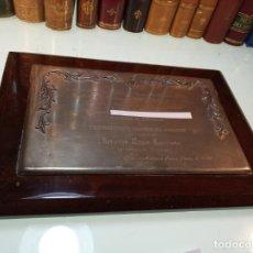 Joyeria: PLACA EN PLATA GRABADA DE LA REAL HERMANDAD DEL SANTÍSIMO CRISTO DE LOS MILAGROS... INSIGNIA EN ORO.. Lote 159849942