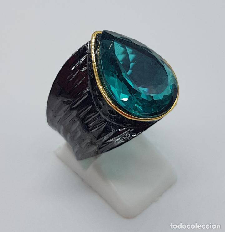 Joyeria: Gran anillo de diseño gótico platinado en negro y oro con turmalina turquesa talla pera incrustada . - Foto 4 - 160185134