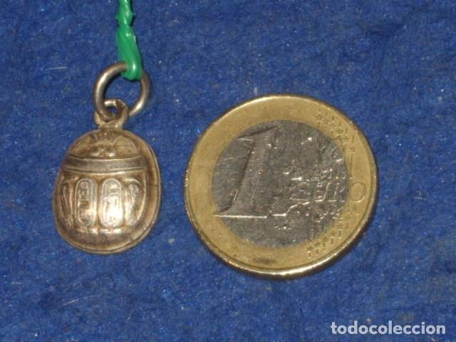 COLGANTE DE PLATA ESCARABAJO EGIPCIO. (Joyería - Colgantes Antiguos)