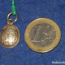 Joyeria: COLGANTE DE PLATA ESCARABAJO EGIPCIO.. Lote 161568814
