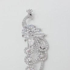 Jewelry - Elegante broche de lujo con acabado en oro blanco de 18k, circonitas talla marqués y talla brillante - 162117978