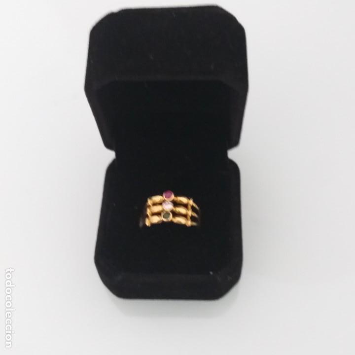 Joyeria: Anillo de Oro de 18 Quilate Esmeralda Rubí y topacio blanco - Foto 5 - 163343618