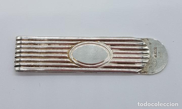 Joyeria: Elegante clip o pinza para billetes en plata de ley con medallón central para grabar nombre . - Foto 2 - 163501054