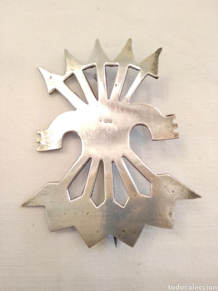 INSIGNIA FALANGE PLATA DE LEY (Joyería - Broches Antiguos)
