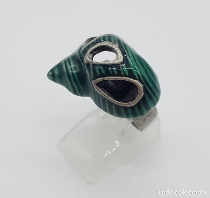 Joyeria: Original anillo de caracola con acabado en plata vieja y esmaltes color verde malaquita . - Foto 2 - 165872634