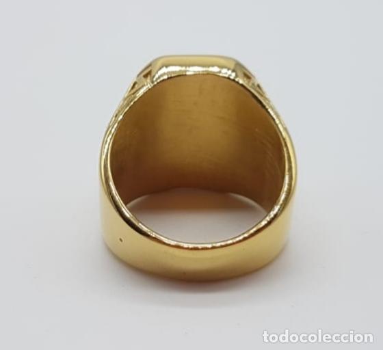 Joyeria: Gran anillo de caballero tipo sello solitario Masónico chapado en oro de 18k y símil de rubi . - Foto 6 - 180082893