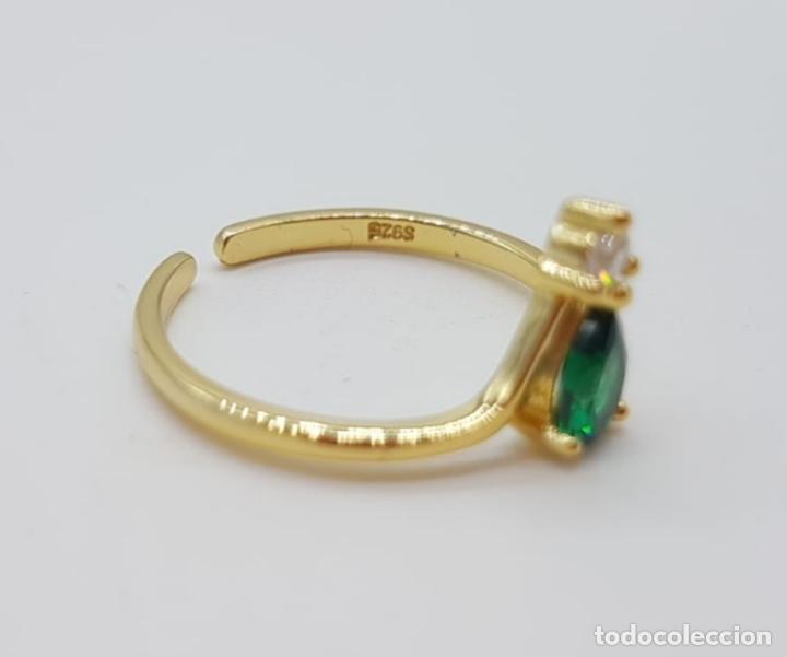 Joyeria: Elegante sortija de pedida de mano en plata de ley, oro 18k, circonita y turmalina verde esmeralda . - Foto 5 - 244471375