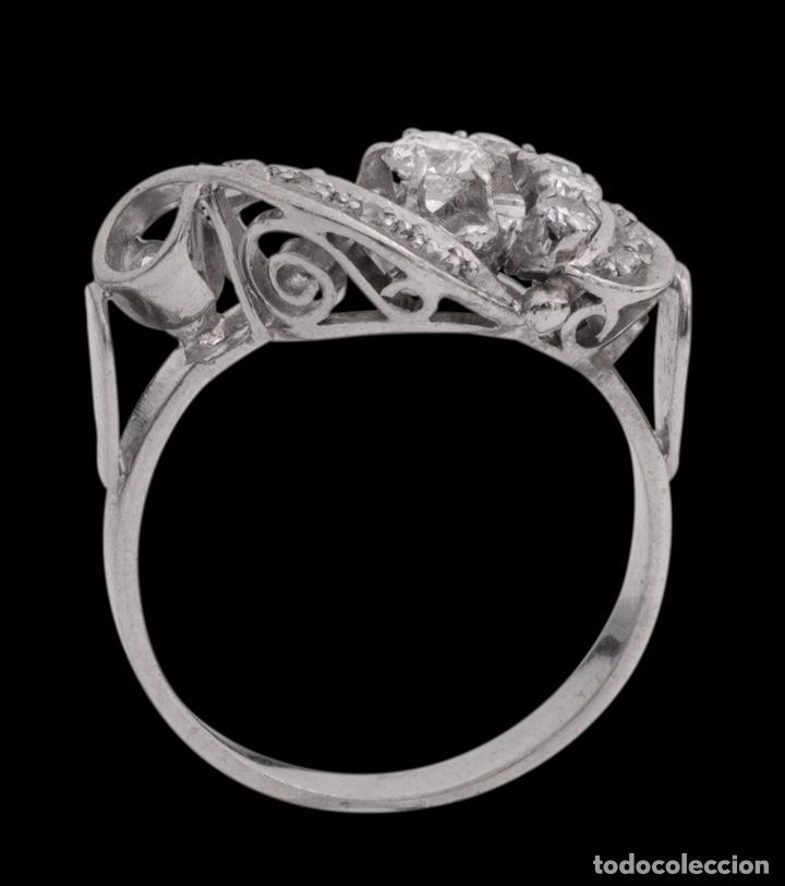 Joyeria: Espectacular sortija de oro blanco art Deco con diamantes entrelazado - Foto 2 - 166423926