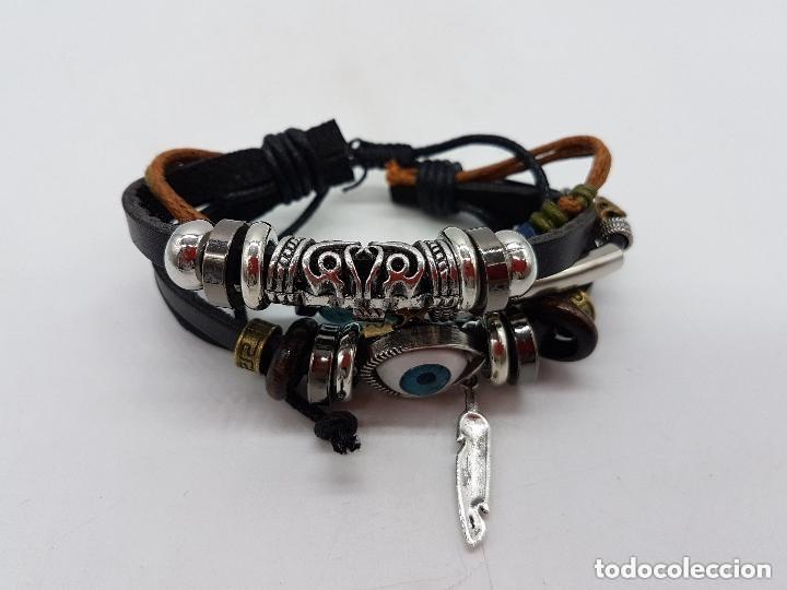 Joyeria: Preciosa pulsera de varias vueltas de cuero con abalorios en bronce y cromado y ojo turco. Ajustable - Foto 2 - 166772794