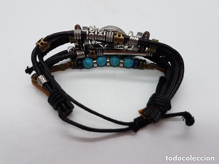 Joyeria: Preciosa pulsera de varias vueltas de cuero con abalorios en bronce y cromado y ojo turco. Ajustable - Foto 4 - 166772794