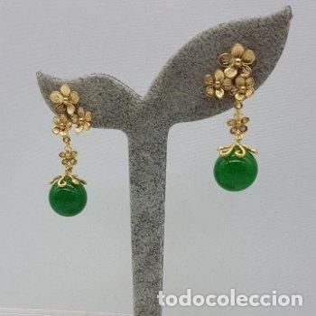 Joyeria: Preciosos pendientes de diseño en plata de ley chapada en oro de 18 quilates con cabujones de jade. - Foto 4 - 166900108