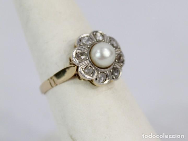 Joyeria: Espectacular anillo rosetón años 1900. Ocho diamantes talla rosa, perla natural. Oro de 18. - Foto 2 - 167247016