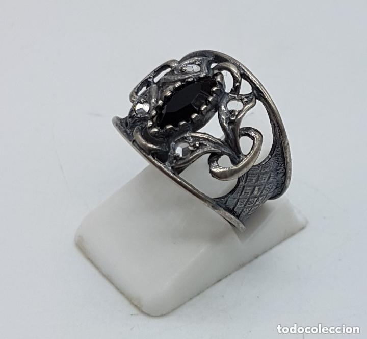 Joyeria: Precioso anillo antiguo isabelino en plata de ley contrastada de diseño calado con onix engarzado. - Foto 2 - 167924492