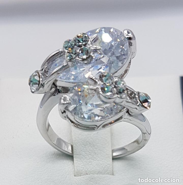 Joyeria: Precioso anillo con formas modernistas con baño de plata de ley y circonitas. - Foto 2 - 168151980