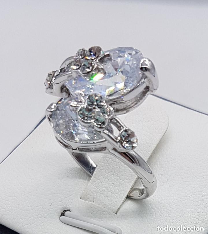 Joyeria: Precioso anillo con formas modernistas con baño de plata de ley y circonitas. - Foto 4 - 168151980