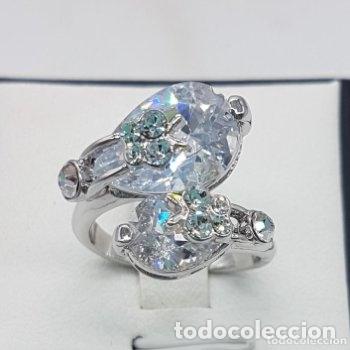 Joyeria: Precioso anillo con formas modernistas con baño de plata de ley y circonitas. - Foto 6 - 168151980