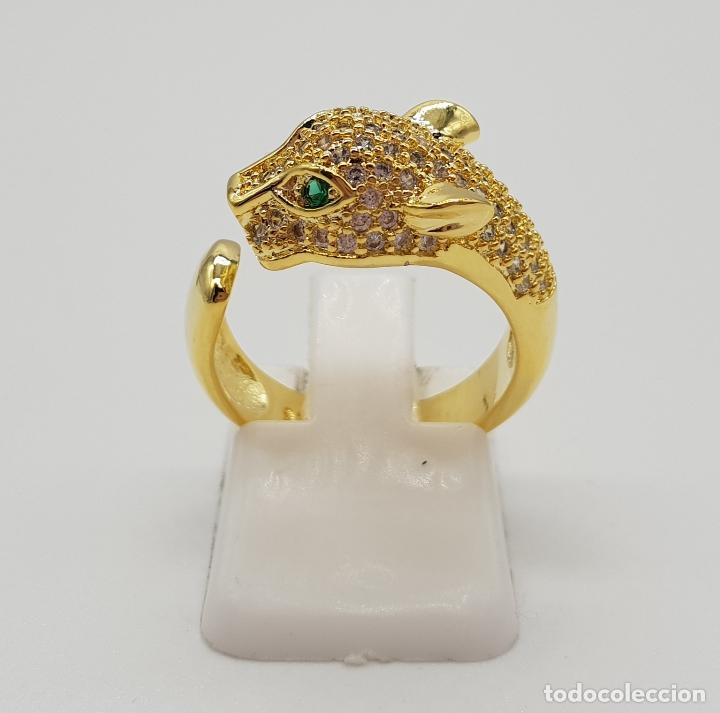 Joyeria: Sortija de lujo tipo Cartier, acabado en oro de 18k, esmeraldas y pave de circonitas talla brillante - Foto 3 - 184187595