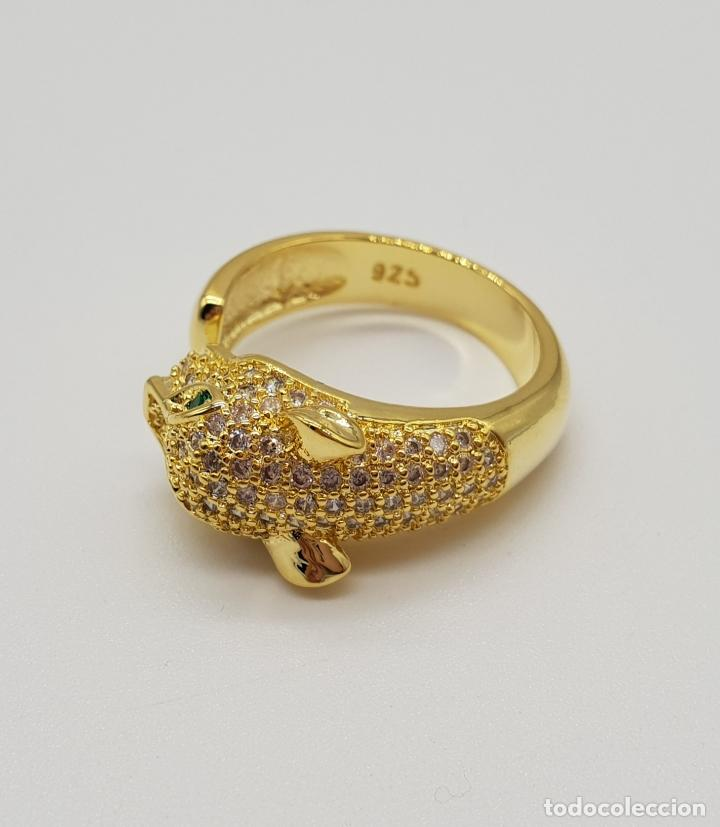 Joyeria: Sortija de lujo tipo Cartier, acabado en oro de 18k, esmeraldas y pave de circonitas talla brillante - Foto 6 - 184187595