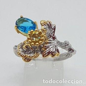 Joyeria: Bello anillo de diseño floral, baño de oro y plata con pequeños topacio azul y citrino. - Foto 2 - 168211708