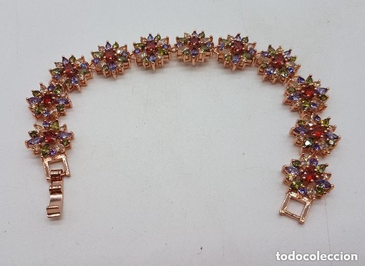 Joyeria: Magnífica pulsera de diseño floral con cristales autríacos bañada en oro. - Foto 4 - 168267168