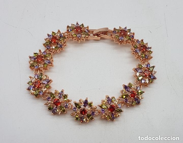 Joyeria: Magnífica pulsera de diseño floral con cristales autríacos bañada en oro. - Foto 6 - 168267168