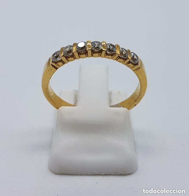 Joyeria: Anillo antiguo tipo alianza en plata de ley y baño en oro de 18 quilates con circonitas engarzadas. - Foto 3 - 168676732