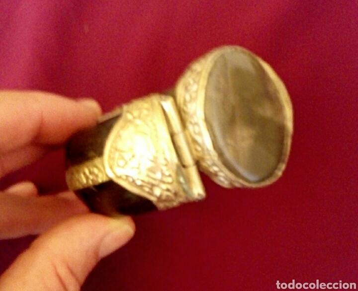 Joyeria: Pulsera etnica. Cuerno, laton dorado grabado. Y gran gema de agata o verdite. - Foto 7 - 169731292