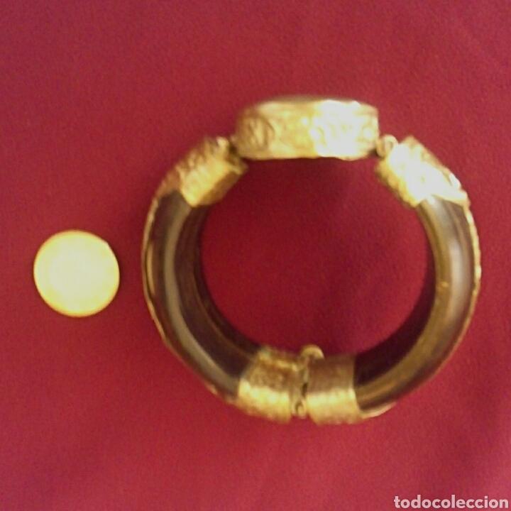 Joyeria: Pulsera etnica. Cuerno, laton dorado grabado. Y gran gema de agata o verdite. - Foto 8 - 169731292