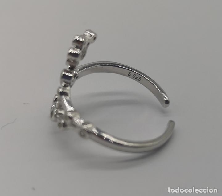 Joyeria: Bella sortija diseño constelaciones en plata de ley 925 contrastada y circonitas talla brillante . - Foto 5 - 169771740