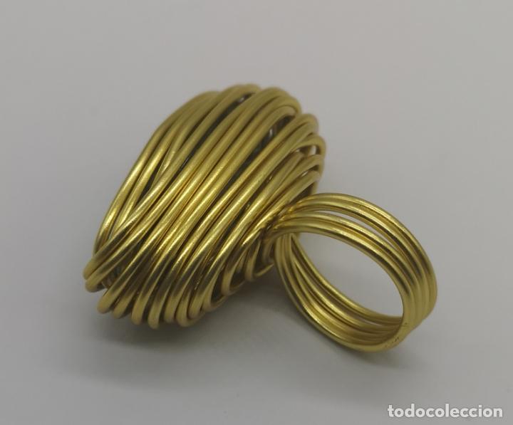 Joyeria: Espectacular anillo de diseño sofisticado con acabado en oro de 14k y cristal austriaco verde . - Foto 5 - 169771936