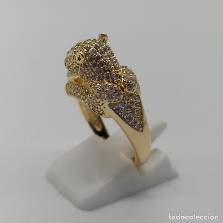Joyeria: Anillo de lujo tipo Cartier, chapado en oro de 18k, pave de circonitas talla brillante . - Foto 2 - 170284529