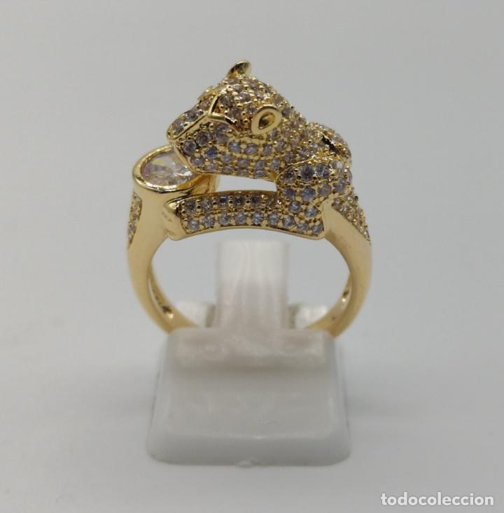 Joyeria: Anillo de lujo tipo Cartier, chapado en oro de 18k, pave de circonitas talla brillante . - Foto 3 - 170284529