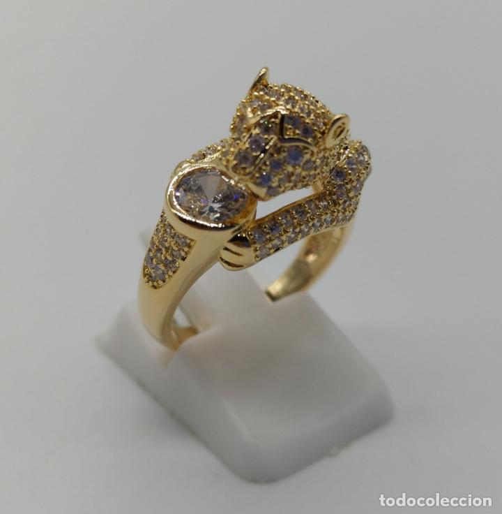Joyeria: Anillo de lujo tipo Cartier, chapado en oro de 18k, pave de circonitas talla brillante . - Foto 4 - 170284529