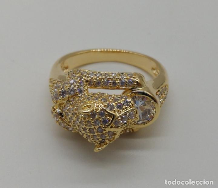 Joyeria: Anillo de lujo tipo Cartier, chapado en oro de 18k, pave de circonitas talla brillante . - Foto 5 - 170284529