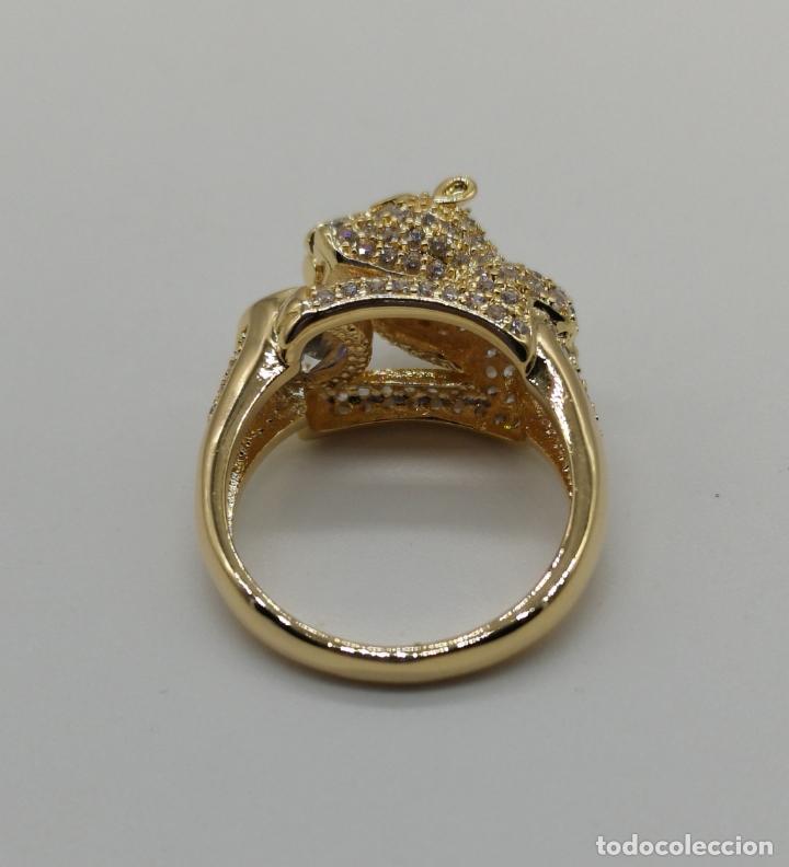 Joyeria: Anillo de lujo tipo Cartier, chapado en oro de 18k, pave de circonitas talla brillante . - Foto 6 - 170284529