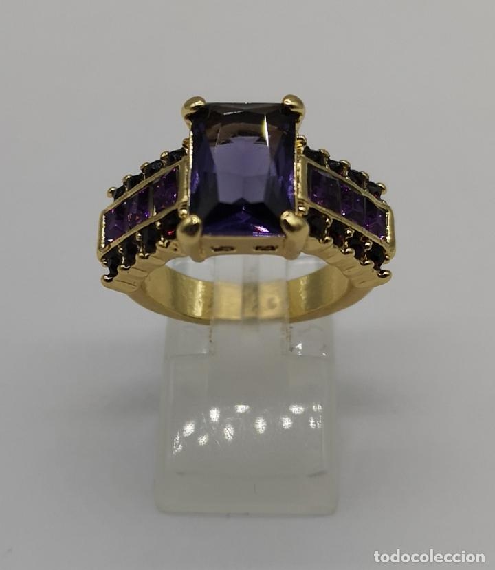 Joyeria: Bello anillo tipo vintage con amatistas talla princesa, acabado en oro de ley de 14k . - Foto 5 - 171212453