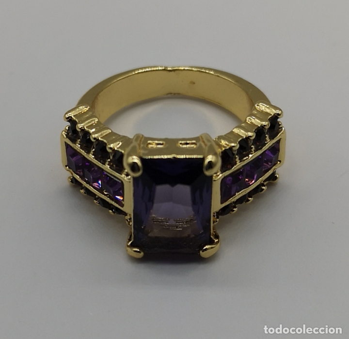 Joyeria: Bello anillo tipo vintage con amatistas talla princesa, acabado en oro de ley de 14k . - Foto 6 - 171212453