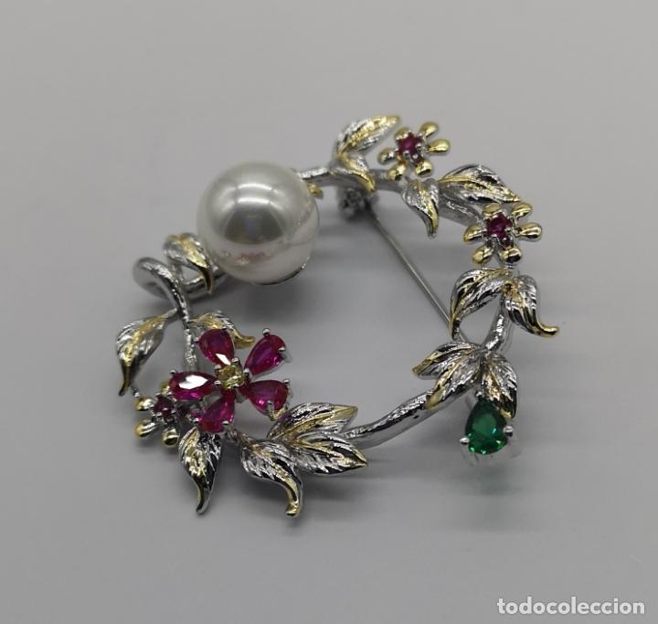 Joyeria: Precioso broche de lujo con acabados en oro blanco y amarillo 18k, perla y turmalinas autenticas . - Foto 2 - 172693330