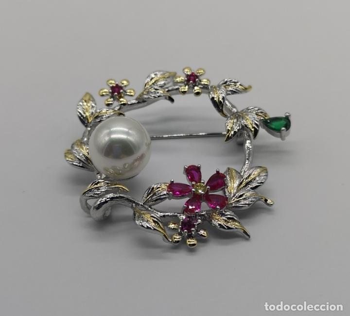 Joyeria: Precioso broche de lujo con acabados en oro blanco y amarillo 18k, perla y turmalinas autenticas . - Foto 3 - 172693330