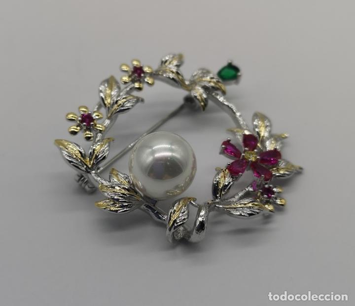 Joyeria: Precioso broche de lujo con acabados en oro blanco y amarillo 18k, perla y turmalinas autenticas . - Foto 4 - 172693330