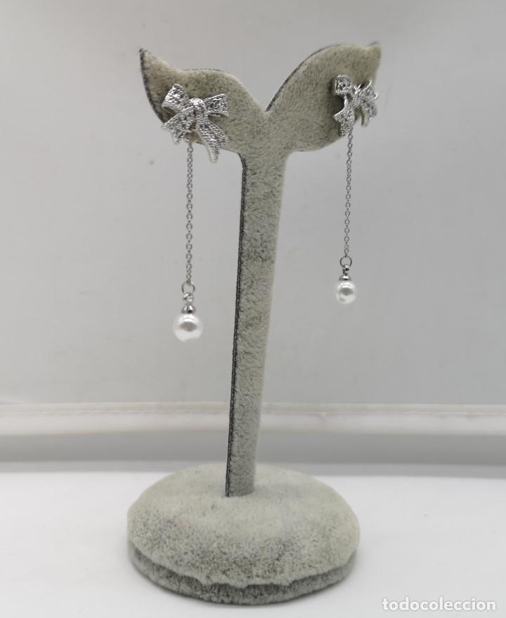 Joyeria: Elegantes pendientes chapados en plata de ley 925 con contraste, perlas y circonitas talla brillante - Foto 2 - 173467109