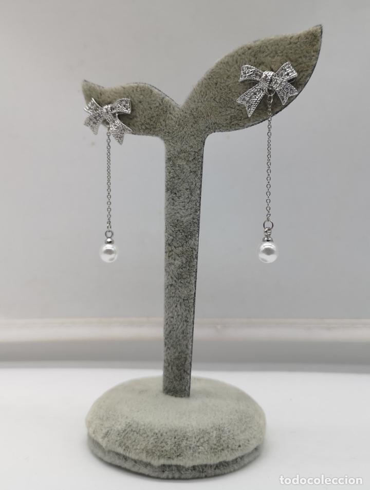 Joyeria: Elegantes pendientes chapados en plata de ley 925 con contraste, perlas y circonitas talla brillante - Foto 4 - 173467109