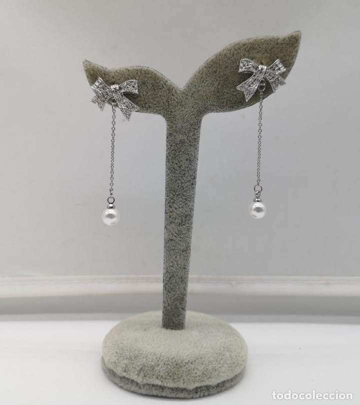 Joyeria: Elegantes pendientes chapados en plata de ley 925 con contraste, perlas y circonitas talla brillante - Foto 5 - 173467109