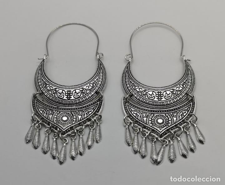 mirada detallada 5cbb9 f31cb Bonitos pendientes de estilo ibicenco con acabado en plata y grabados .