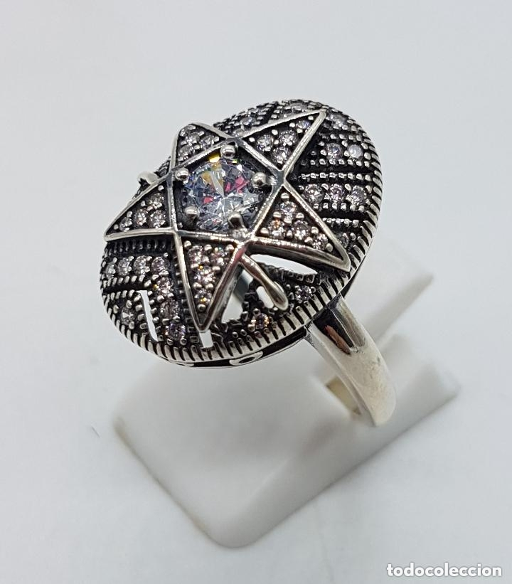 Joyeria: Precioso anillo en plata de ley ovalado, cincelado con forma de estrella y circonitas engarzadas . - Foto 2 - 173790150